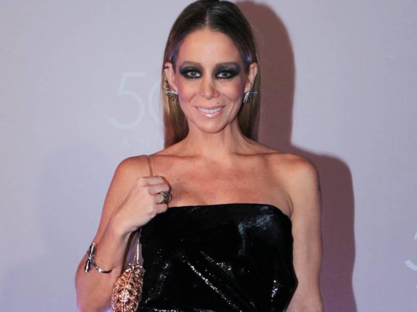 A atriz Danielle Winits na festa de 50 anos da Rede Globo