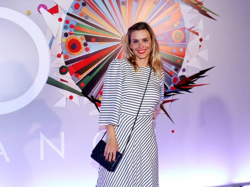Carolina Dieckmann na festa de 50 anos da Rede Globo