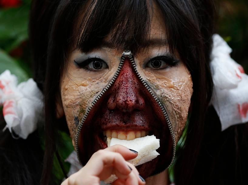 Participante do desfile de Halloween de Kawasaki, em Tóquio, no Japão