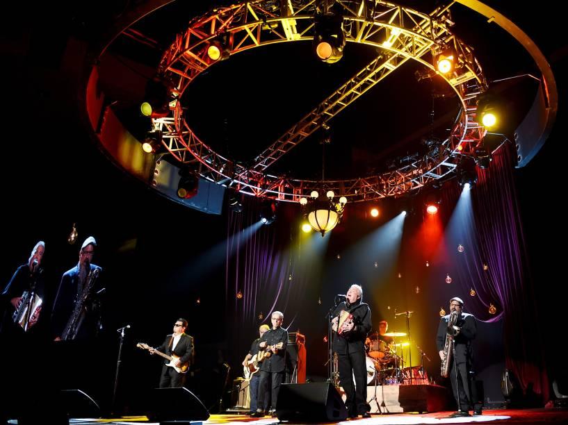 A banda Los Lobos faz show em homenagem o cantor Bob Dylan durante a 65ª edição do Festival Internacional de Cinema de Berlim