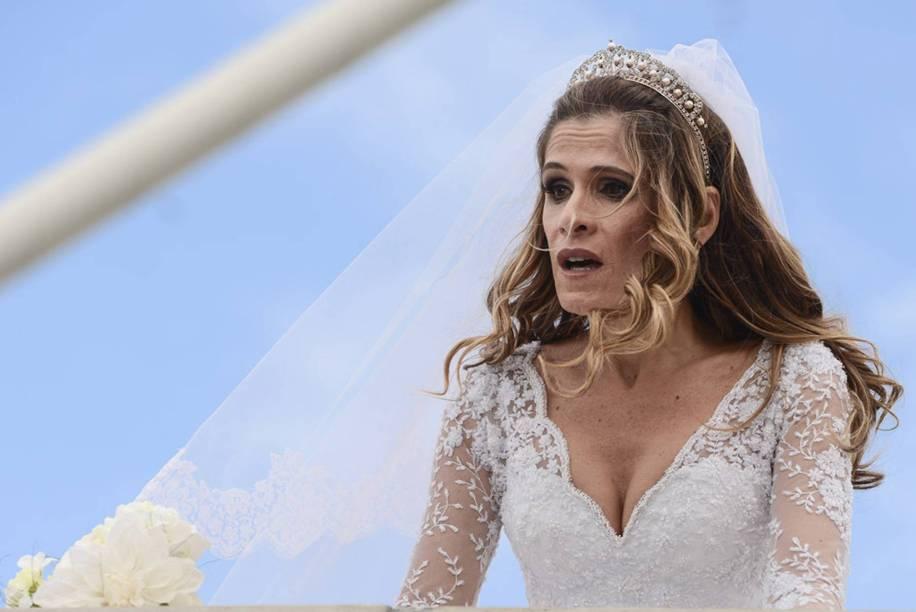 Ingrid Guimarães vive a personagem Malu, em Loucas pra Casar