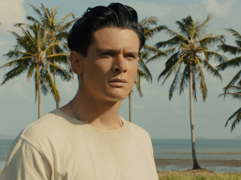 O ator britânico Jack O'Connell dá vida ao personagem Louis Zamperini no filme Invencível, de Angelina Jolie