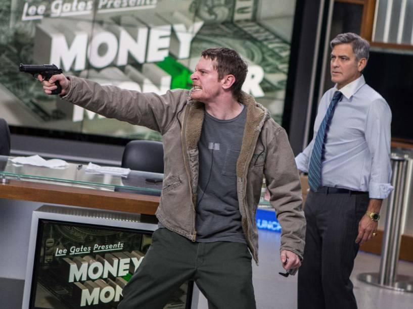 Cena do filme Jogo do Dinheiro com Jack OConnell e George Clooney