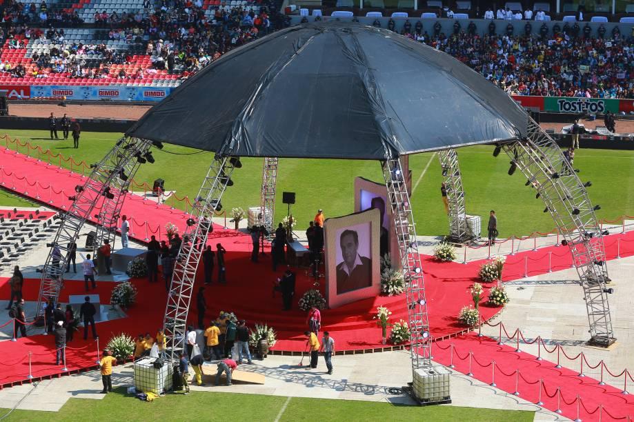 Estádio Azteca, onde será velado Roberto Bolaños, o Chaves