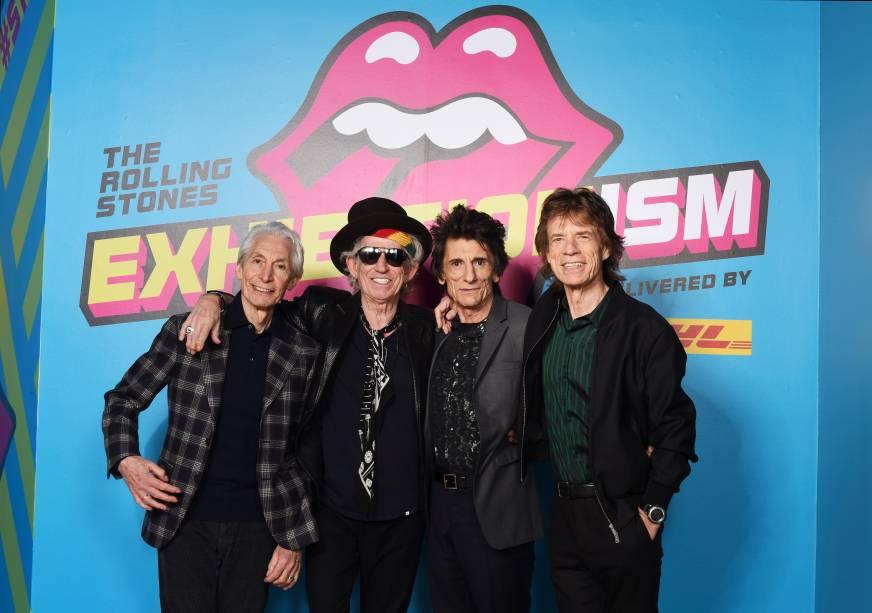 Rolling Stones comparecem à abertura da exposição em sua homenagem. Mostra fica em cartaz no Museu Saatchi, em Londres, até setembro de 2016