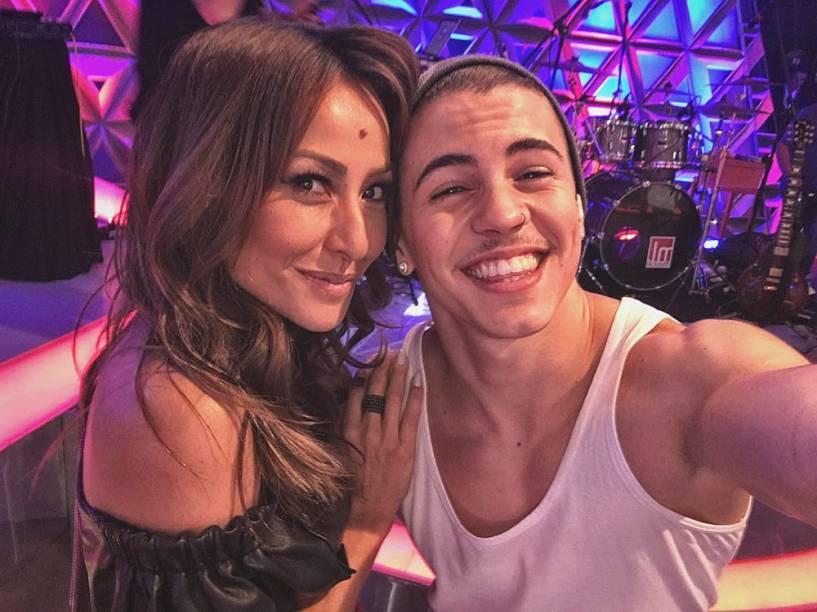 O cantor Biel e a apresentadora Sabrina Sato