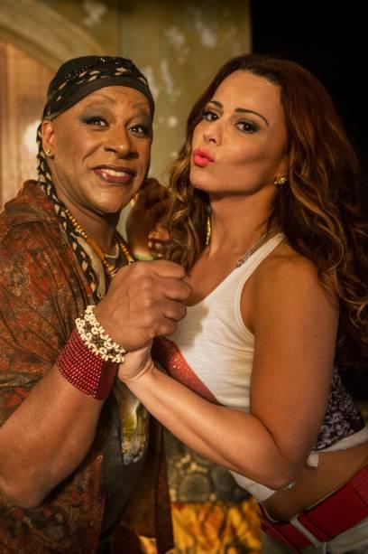 Xana (Ailton Graça) e Nana (Viviane Araujo)
