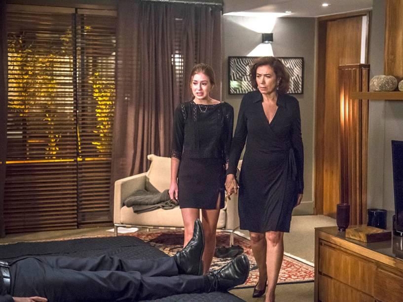 Maria Ísis (Marina Ruy Barbosa) e Maria Marta (Lilia Cabral) em cena de Império