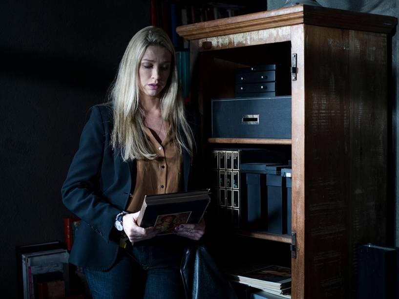 Luana Piovani interpreta a personagem Vera, em Dupla Identidade