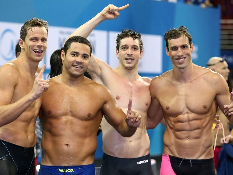 A equipe masculina do revezamento ganha mais um ouro no Mundial de Piscina Curta, em Doha, no Catar
