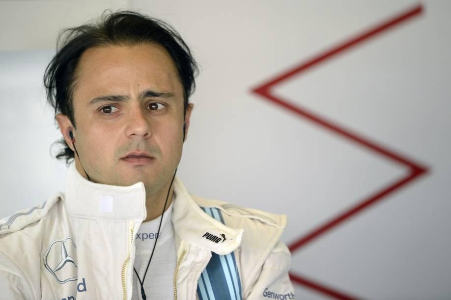 Felipe Massa nos boxes da Williams, durante treino livre para a etapa final da temporada de Fórmula 1 no Grande Prêmio de Abu Dhabi