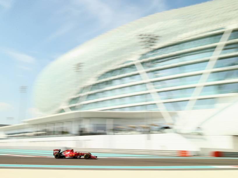 Kimi Raikkonen da Ferrari, durante treino livre para Grande Prêmio de Abu Dhabi