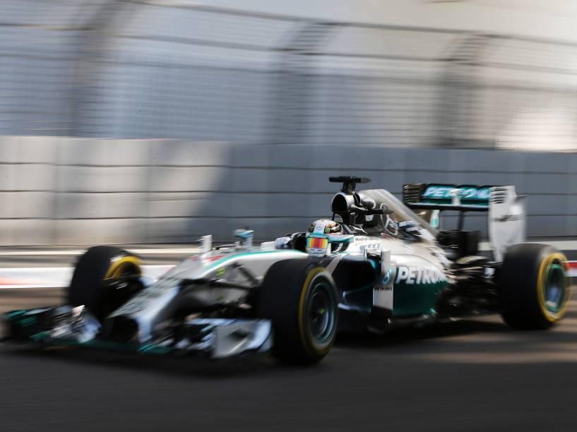 Lewis Hamilton da Mercedes, durante treino livre para a etapa final da temporada de Fórmula 1 no Grande Prêmio de Abu Dhabi