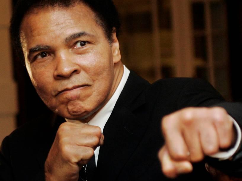 Muhammad Ali durante a cerimônia no Fórum Econômico Mundial em Davos, na Suíça - 28/01/2006