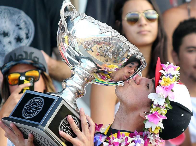 O surfista paulista Gabriel Medina, 20, conquista o título mundial de surfe, durante o Billabong Pipe Masters, última etapa do Circuito Mundial de Surfe, nesta sexta-feira (19) na praia de Pipeline, em Honolulu, na ilha de Oahu, no Havaí