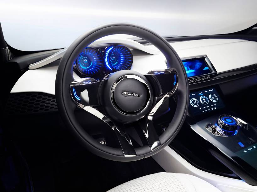 Jaguar crossover c-x17