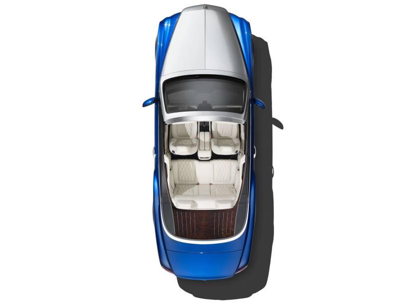 O novo Bentley Grand Convertible, que será apresentado no Salão de Los Angeles