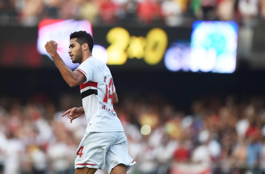 Alan Kardec marcou o segundo gol da vitória do São Paulo sobre o Cruzeiro - 14/09/2014