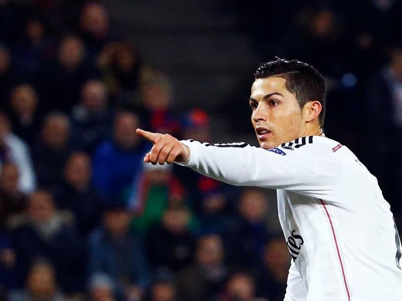 O português Cristiano Ronaldo comemora gol da vitória da equipe espanhola