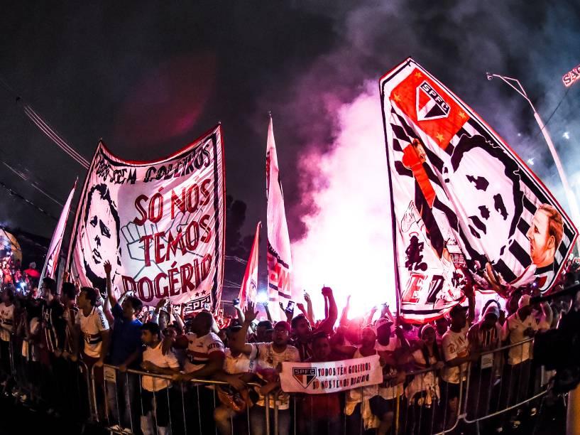 Torcida do São Paulo antes da partida contra o Atlético Nacional (COL) no Morumbi - 26/11/2014