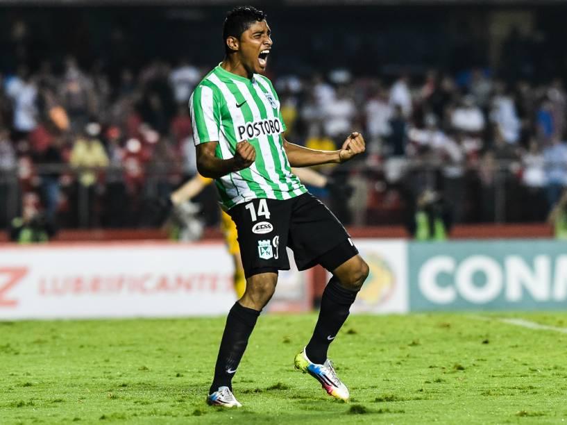 Luis Carlos Ruíz comemora a classificação do Atlético Nacional (COL) após vitória nos pênaltis