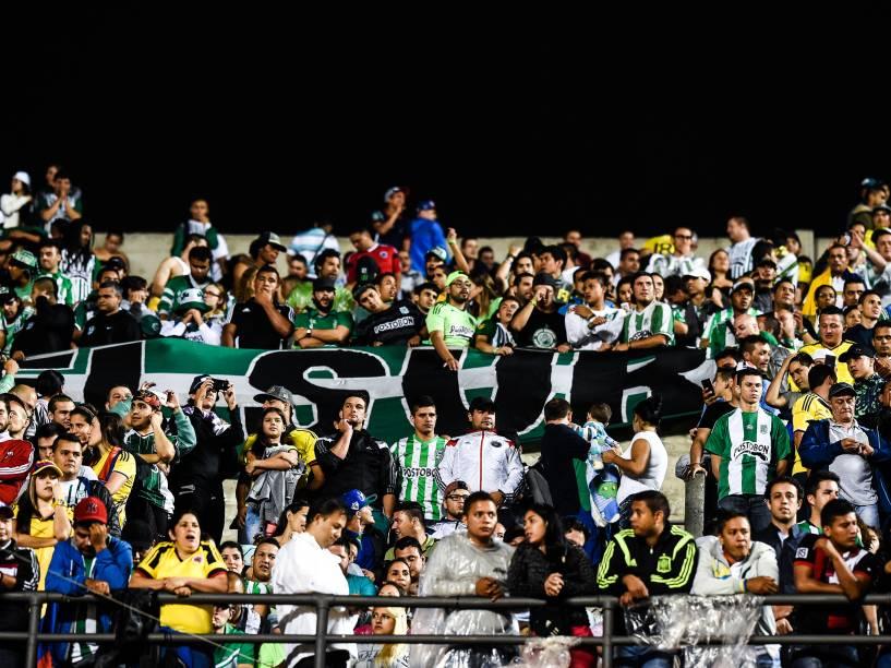 Torcida do Atlético Nacional (COL) fez a festa no Morumbi após vitória nos pênaltis