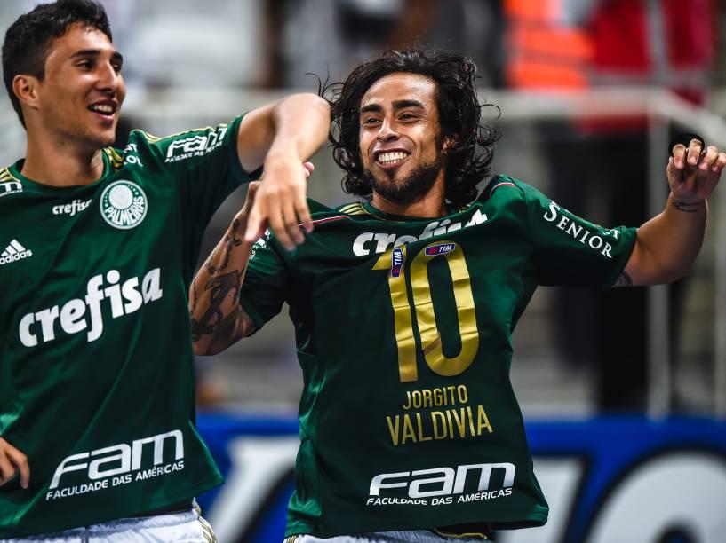 O chileno Valdivia comemora a classificação do Palmeiras que eliminou o Corinthians nos pênaltis