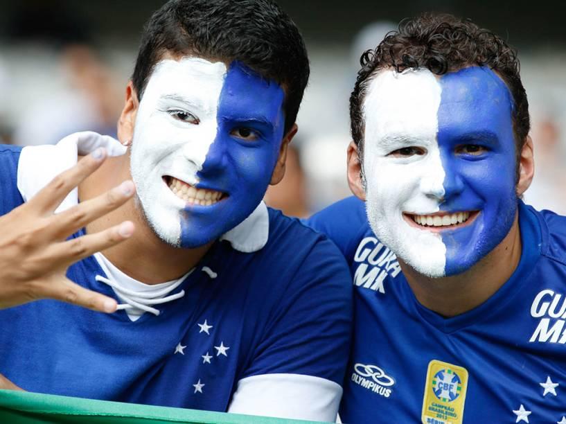 Torcedores do Cruzeiro antes da partida contra o Goiás, válida pela 36ª rodada do Campeonato Brasileiro, no estádio do Mineirão, em Belo Horizonte<br><br>