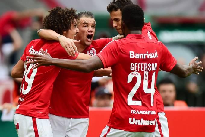 alx_esporte-futebol-final-campeonato-gaucho-internacional-gremio-20150503-001_original.jpeg