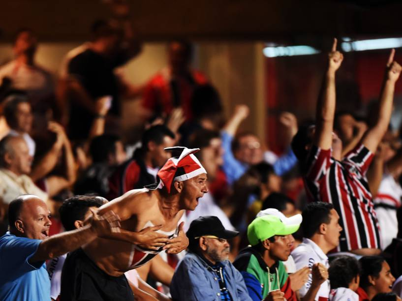 Torcida do São Paulo na partida contra o San Lorenzo no Morumbi - 18/03/2015