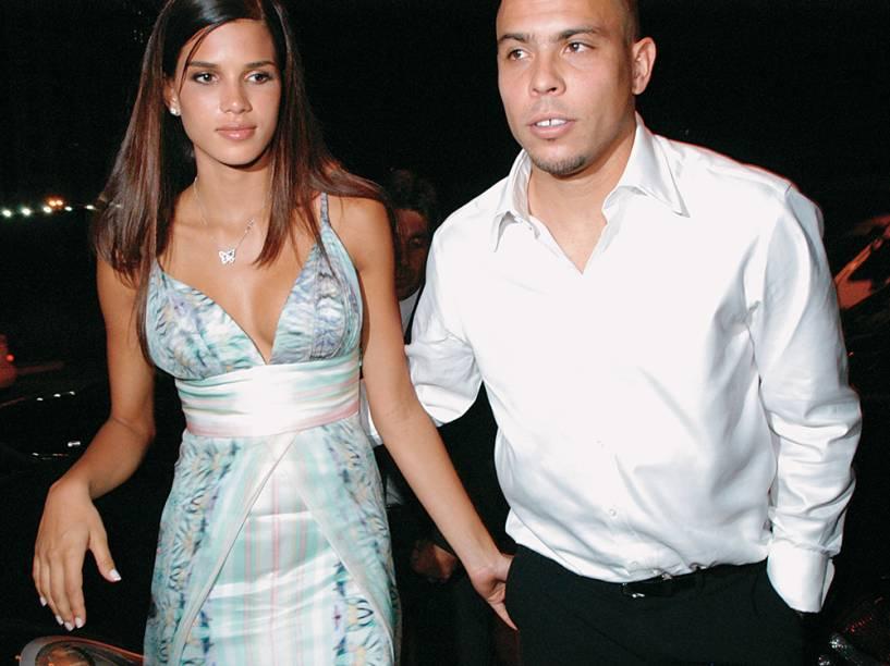 Ronaldo e Raica Oliveira, no casamento de Kaká, em São Paulo, em 2005