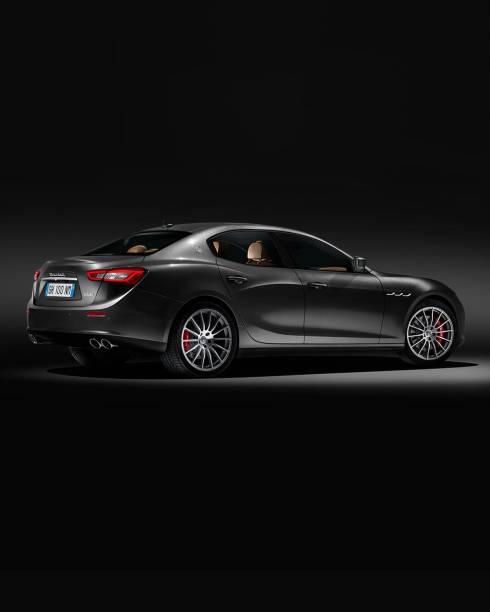 Maserati Ghibli especial vai ilustrar o catálogo de Natal da loja de departamentos americana Neiman Marcus