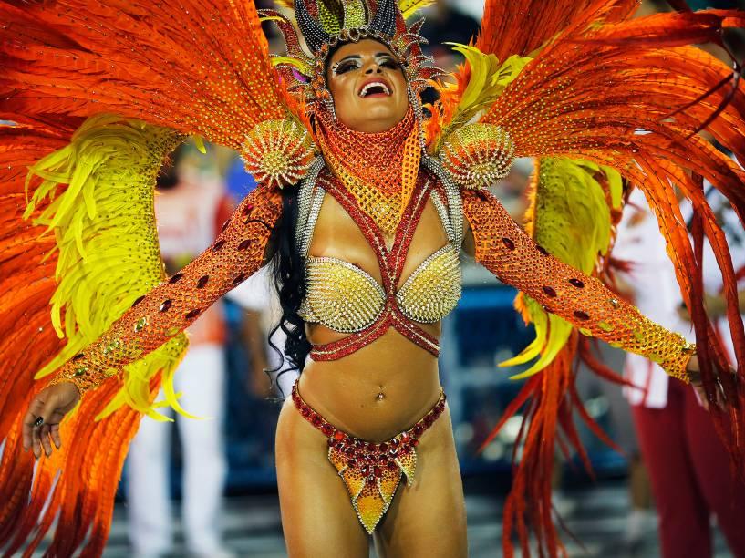 Musa da Estácio de Sá, a escola abre a primeira noite do grupo especial do Carnaval carioca