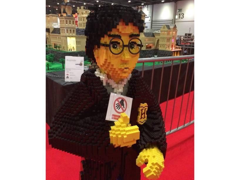 O personagem Harry Potter feito com blocos de Lego durante exposição Brick 2015 em Londres