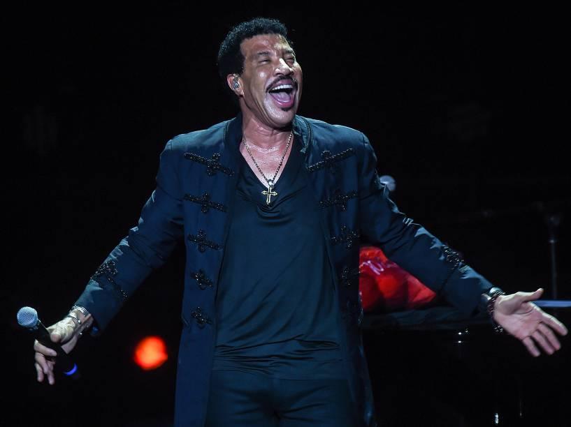 O cantor norte-americano Lionel Richie se apresenta no Ginásio Ibirapuera, na zona sul de São Paulo