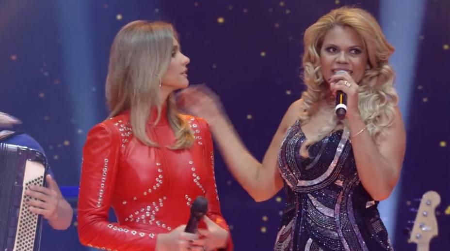 A apresentadora do SuperStar, Fernanda Lima, e a cantora Camila Vitorino, da banda de forró eletrônico Menina Faceira, da Bahia