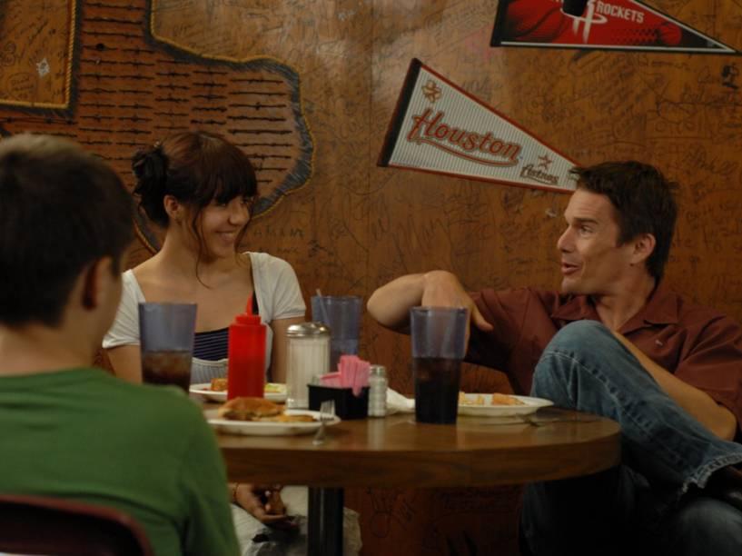 Ethan Hawke e Lorelei Linklater, em cena de Boyhood
