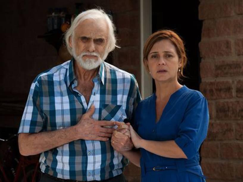 Pedro (Francisco Cuoco) e sua mulher, Anita (Adriana Esteves), em cena de Real Beleza