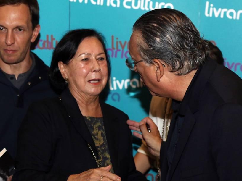 """Mildred dos Santos, mãe de Galvão Bueno, participa do lançamento do livro """"Fala, Galvão"""""""