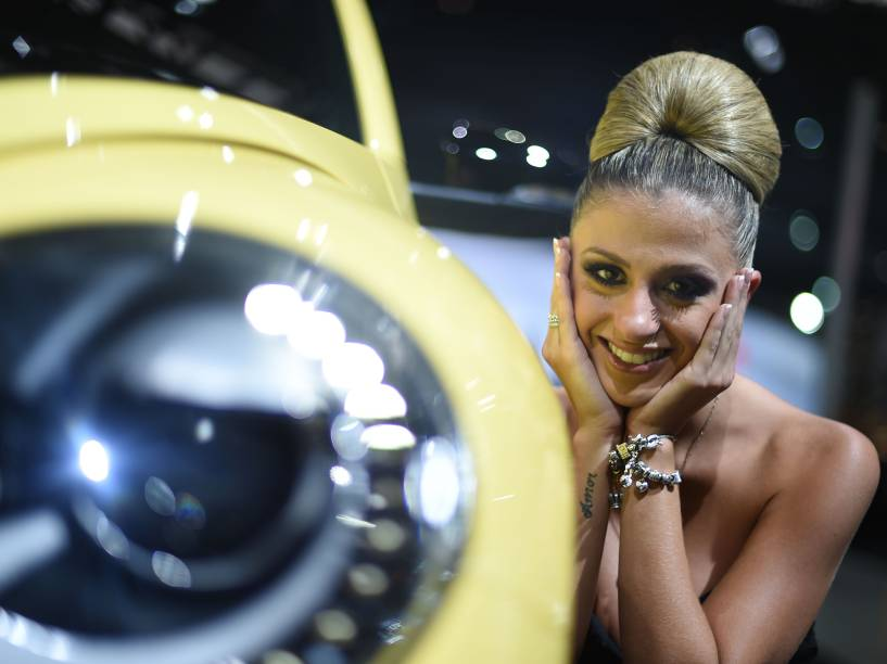 Salão do Automóvel de São Paulo: um  show de simpatia das modelos