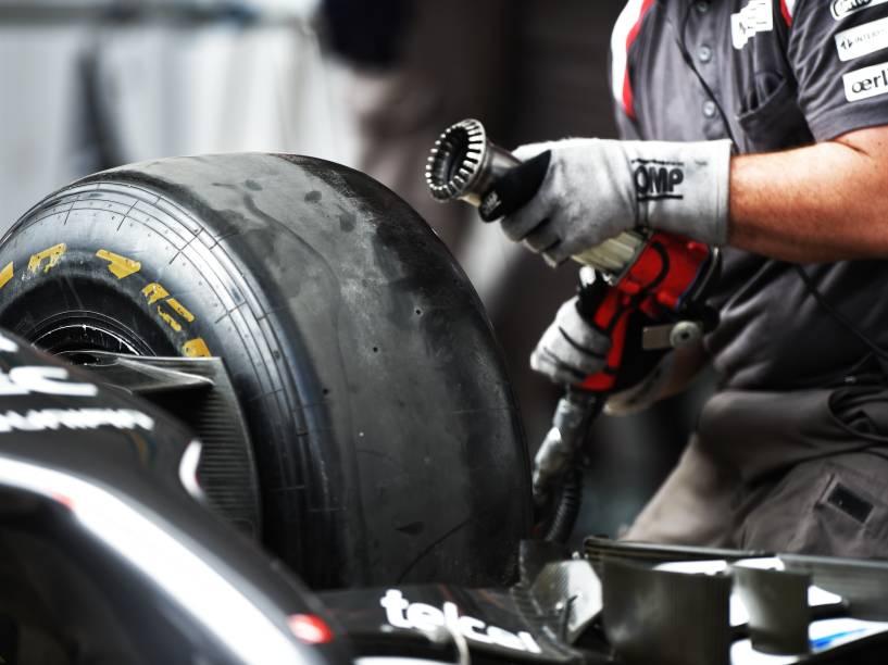 Movimentação marca início do GP de Fórmula 1 no autódromo de Interlagos, nesta quinta-feira (06), em São Paulo