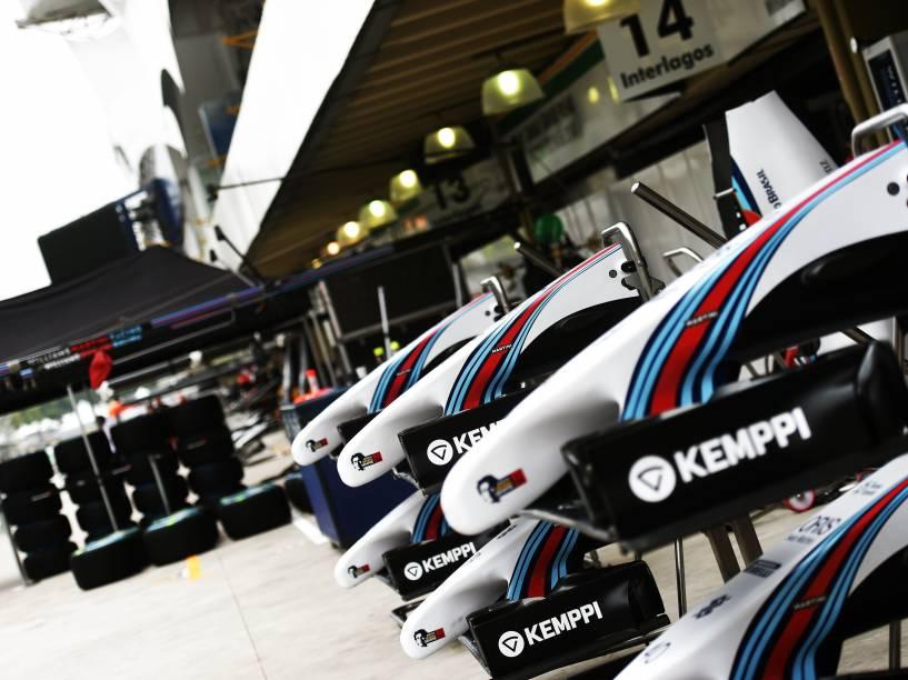 Movimentação marca início do GP de Fórmula 1 no autódromo de Interlagos, nestaquinta-feira (06), em São Paulo