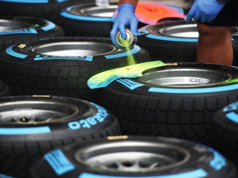 As equipes se aprontam, nesta quinta-feira, para o GP de Fórmula 1 no autódromo de Interlagos, em São Paulo