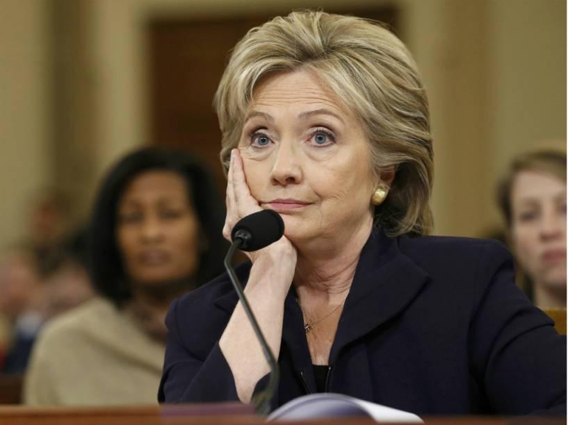 A ex-secretária de Estado e pré-candidata à Presidência Hillary Clinton durante uma audiência no Congresso