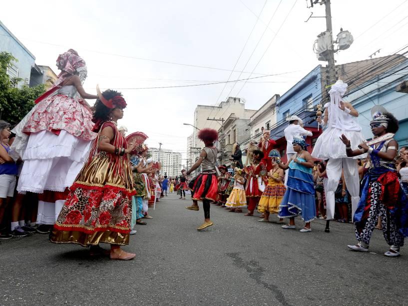 O Bloco Afro Ilú Oba De Min é um bloco composto exclusivamente por mulheres e desde 2005 sai às ruas de São Paulo celebrando a cultura afro-brasileira e destacando a participação das mulheres no mundo