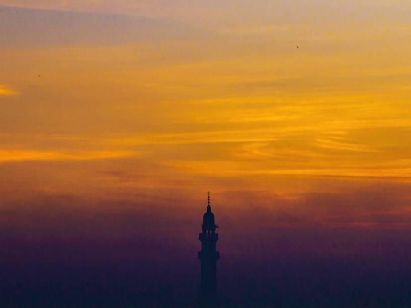 Detalhe de um minarete em Lahore, no Paquistão - 06/11/2014