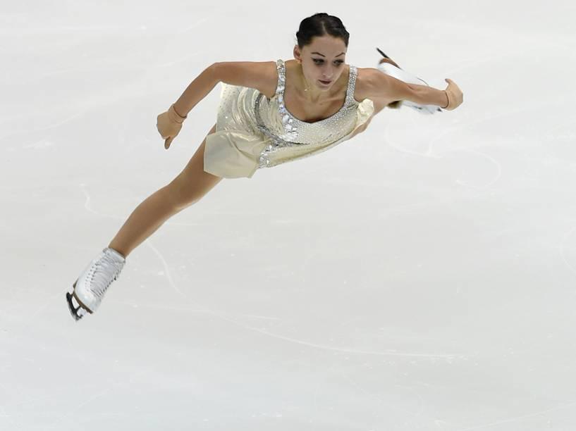 Elene Gedevanishvili, da Geórgia, durante sua apresentação o Grand Prix de patinação artística, em Osaka, no Japão