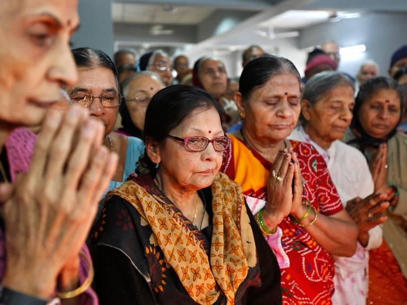 Cerimônia em Ahmedabad (Paquistão) homenageia as vítimas do ataque terrorista que matou pelo menos 132 estudantes na cidade de Peshawar na última terça. O massacre foi executado por militantes do grupo Taleban no país
