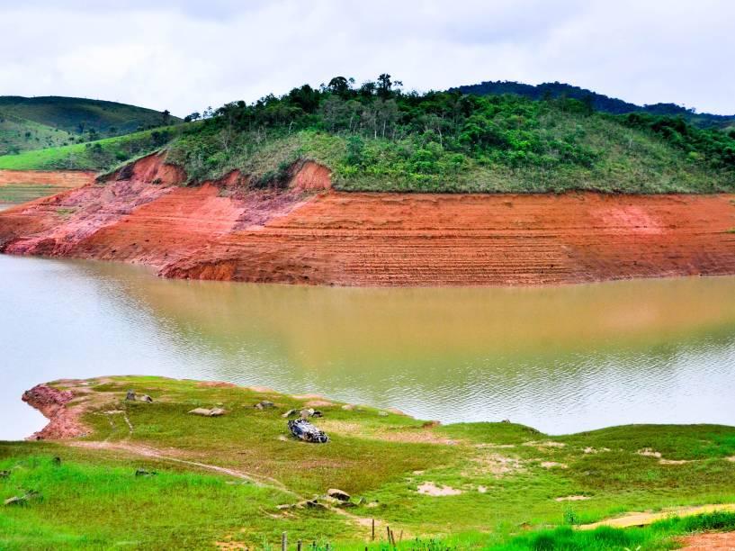 Represa do Jaguari-Jacareí, no interior de SP; após temporal, sistema Cantareira sobe pela primeira vez após oito meses