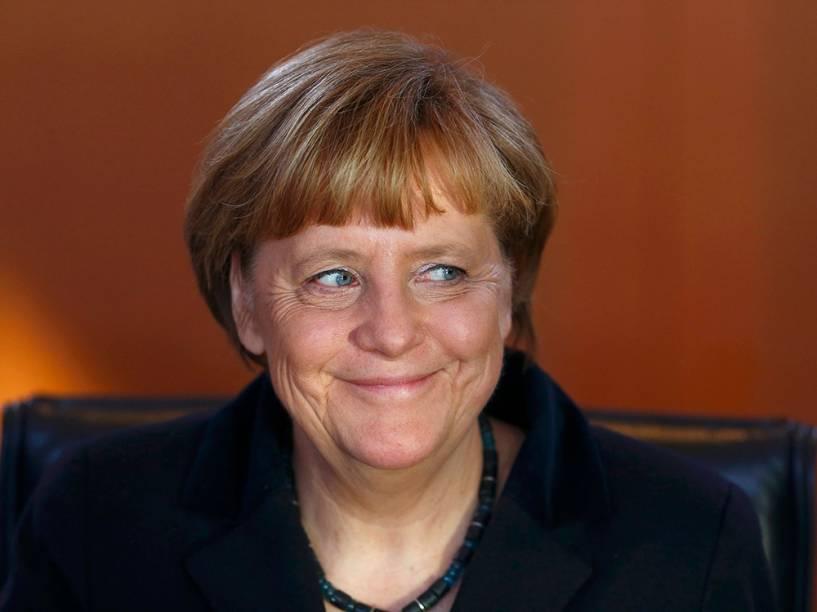 A chanceler alemã, Angela Merkel chega para a reunião semanal do gabinete em Berlim